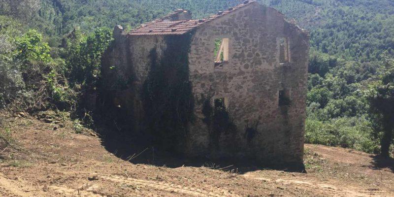 Bettona Hillside Ruin - Exterior